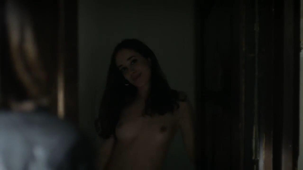 Julia Molins nude - Se quien eres s01e13 (2017)