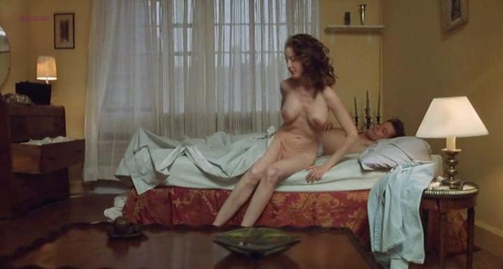 Anna Levine nude - Sue (1997)