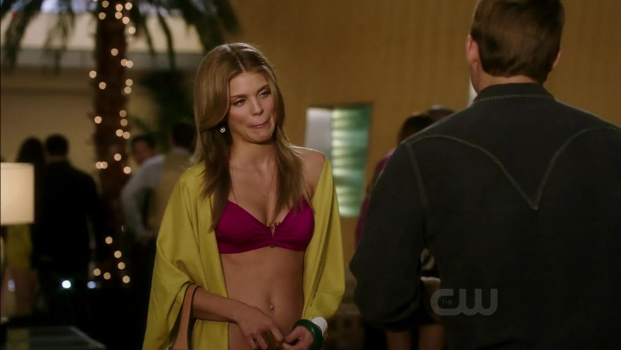 AnnaLynne McCord hot - 90210 s04e08 (2011)