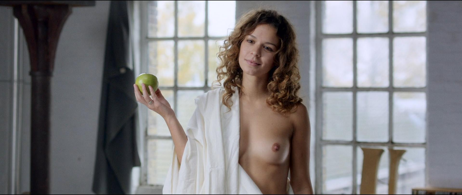 Anouk Kleykamp nude, Jelka van Houten sexy - Familieweekend (2016)