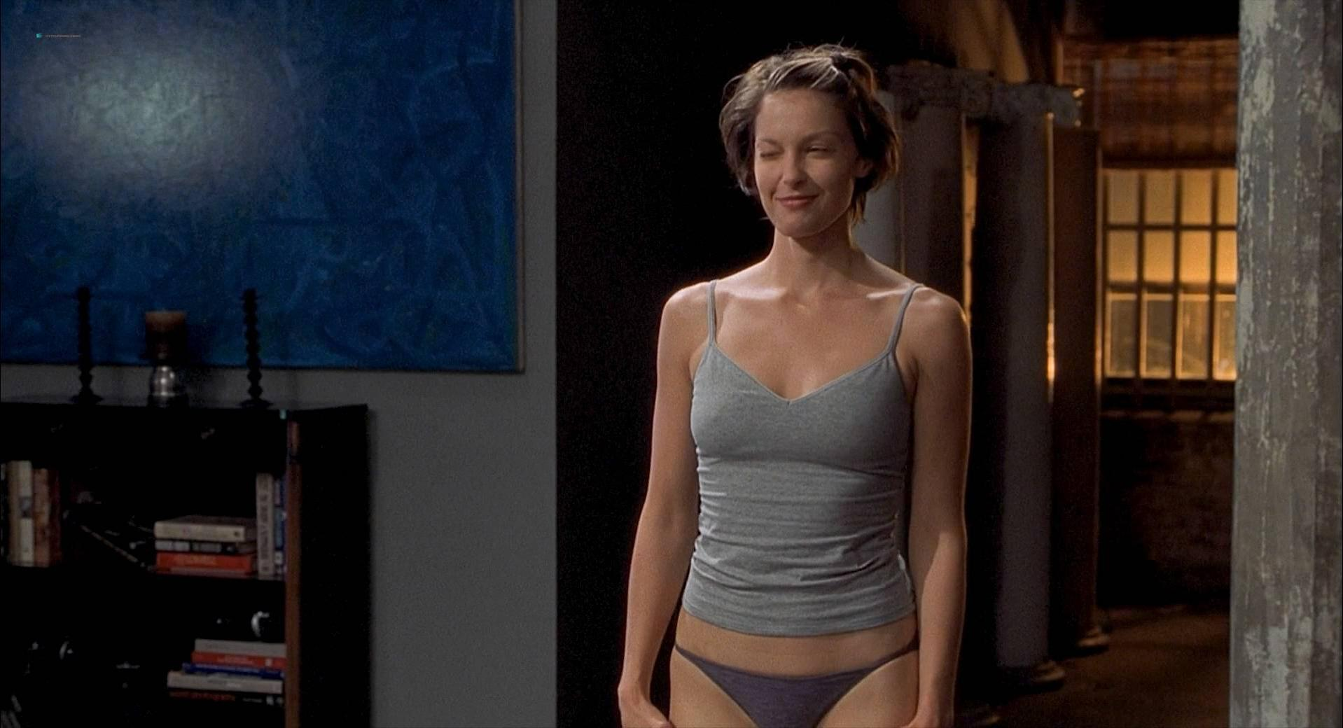 Ashley Judd sexy - Someone Like You (2001)