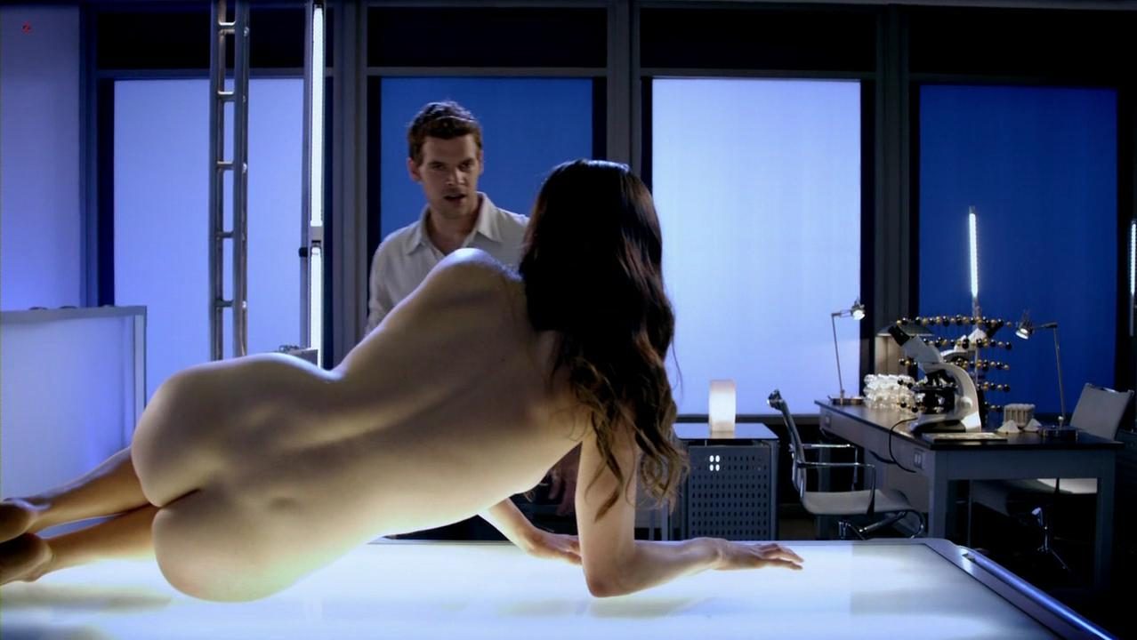 Ashley Noel nude - Femme Fatales s02e06 (2012)