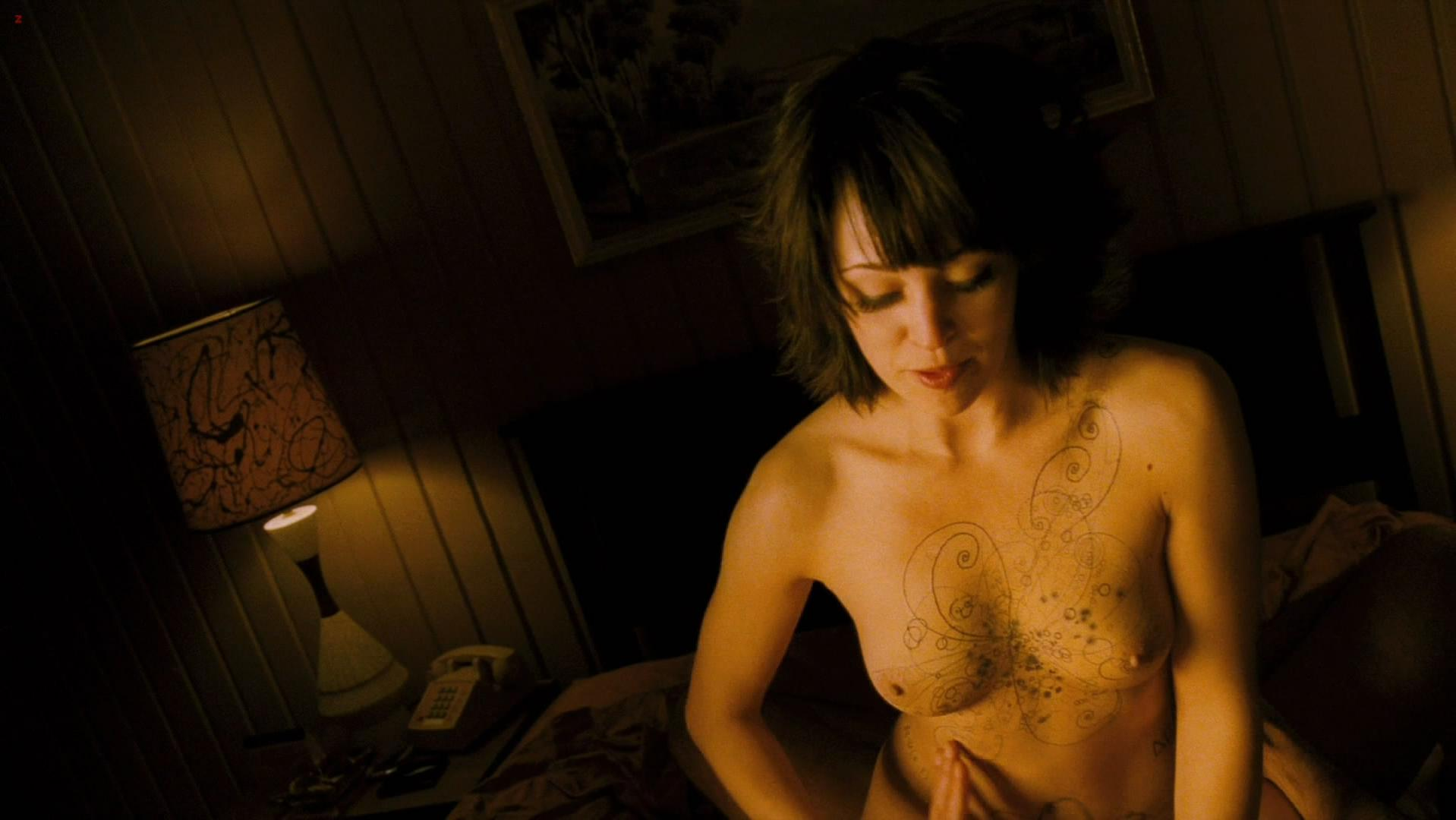 Autumn Reeser nude, Sienna Guillory sexy - The Big Bang (2011)