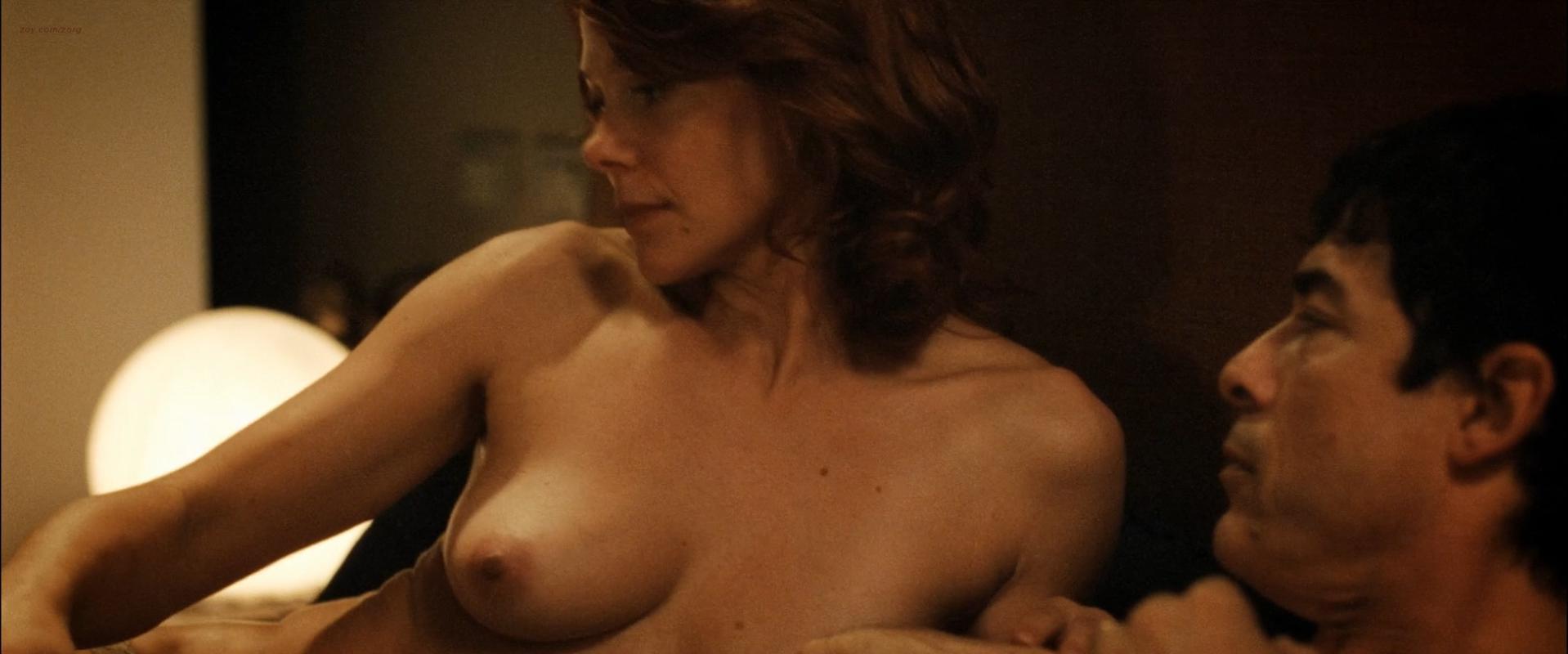 Barbora Bobulova nude - I nostri ragazzi (2014)
