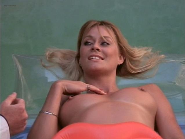 Bea Fiedler nude, Taaffe O'Connell nude, Louisa Moritz nude - Hot Chili (1985)