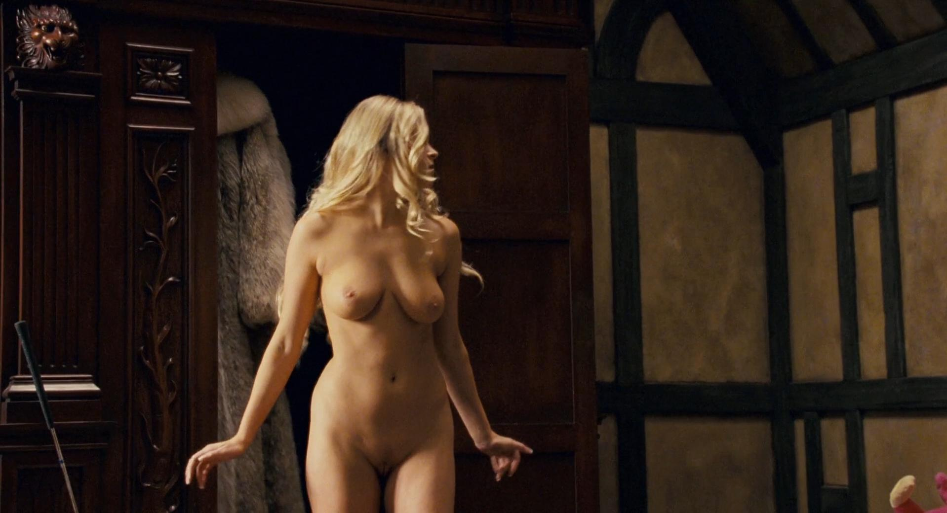 Carmen Electra sexy, Audra Lynn nude, Heather Storm nude - Epic Movie (2007)