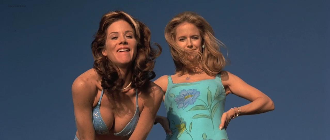 Christina Applegate sexy, Gwyneth Paltrow sexy, Kelly Preston sexy - View from the Top (2003)