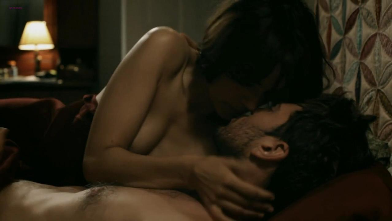 Dominique Swain sexy, Shannyn Sossamon nude - Road to Nowhere (2010)