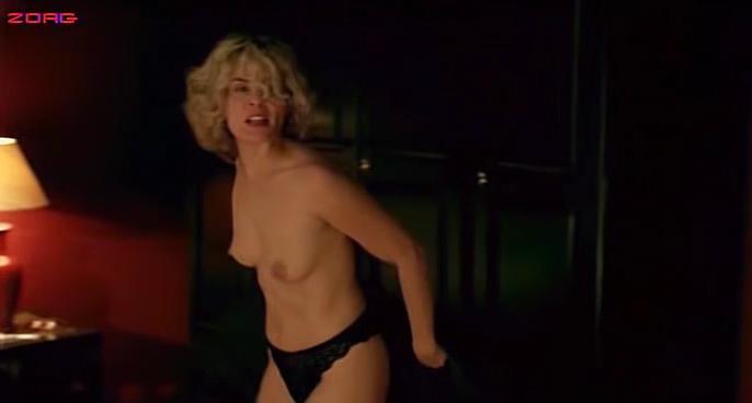 Emmanuelle Seigner nude - Os Imortais (3003)