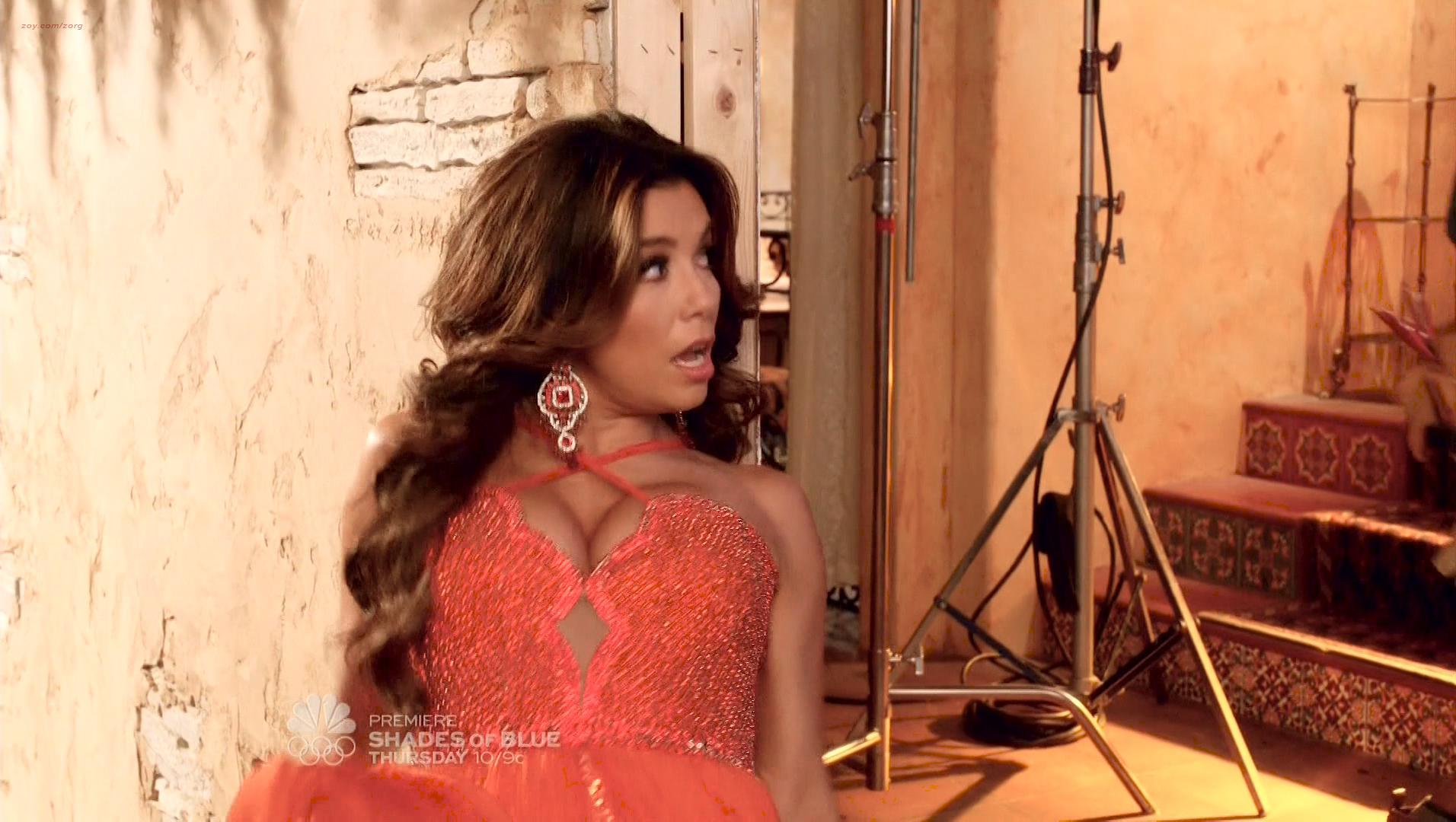 Eva Longoria sexy, Jadyn Douglas sexy - Telenovela s01e04 (2016)