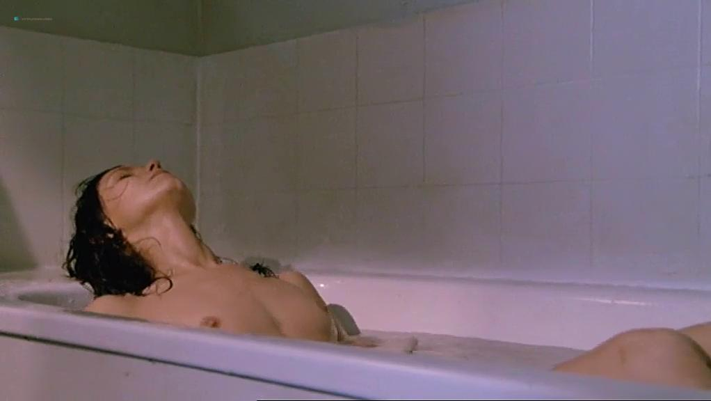 Fanny Bastien nude - Urgence (1985)