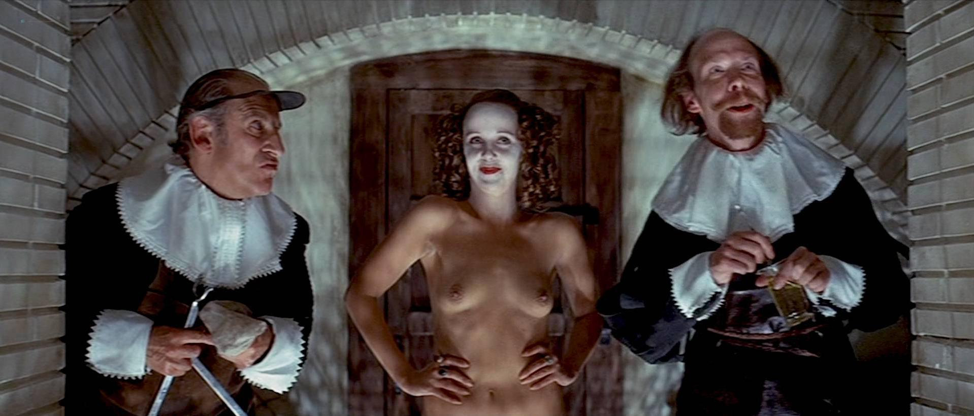 Gemma Jones nude, Georgina Hale nude - The Devils (1971)