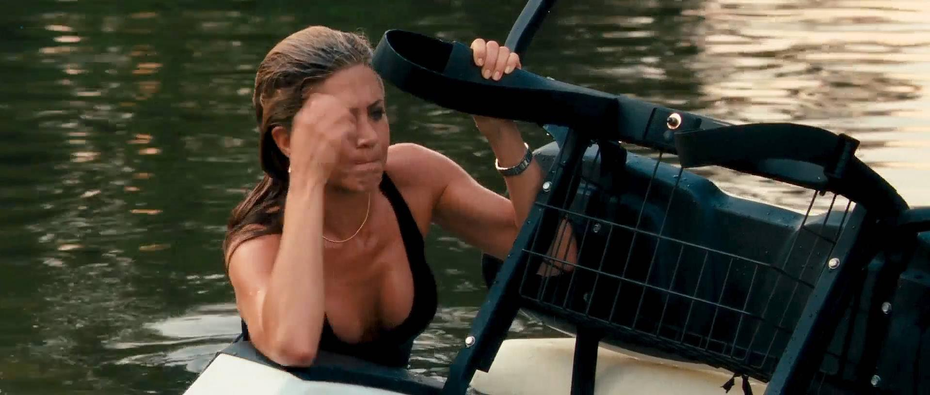 Jennifer Aniston sexy - The Bounty Hunter (2010)