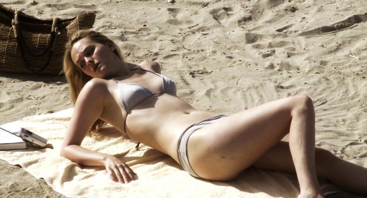 Jess Weixler sexy, Stefania Rocca sexy - A Woman (2010)