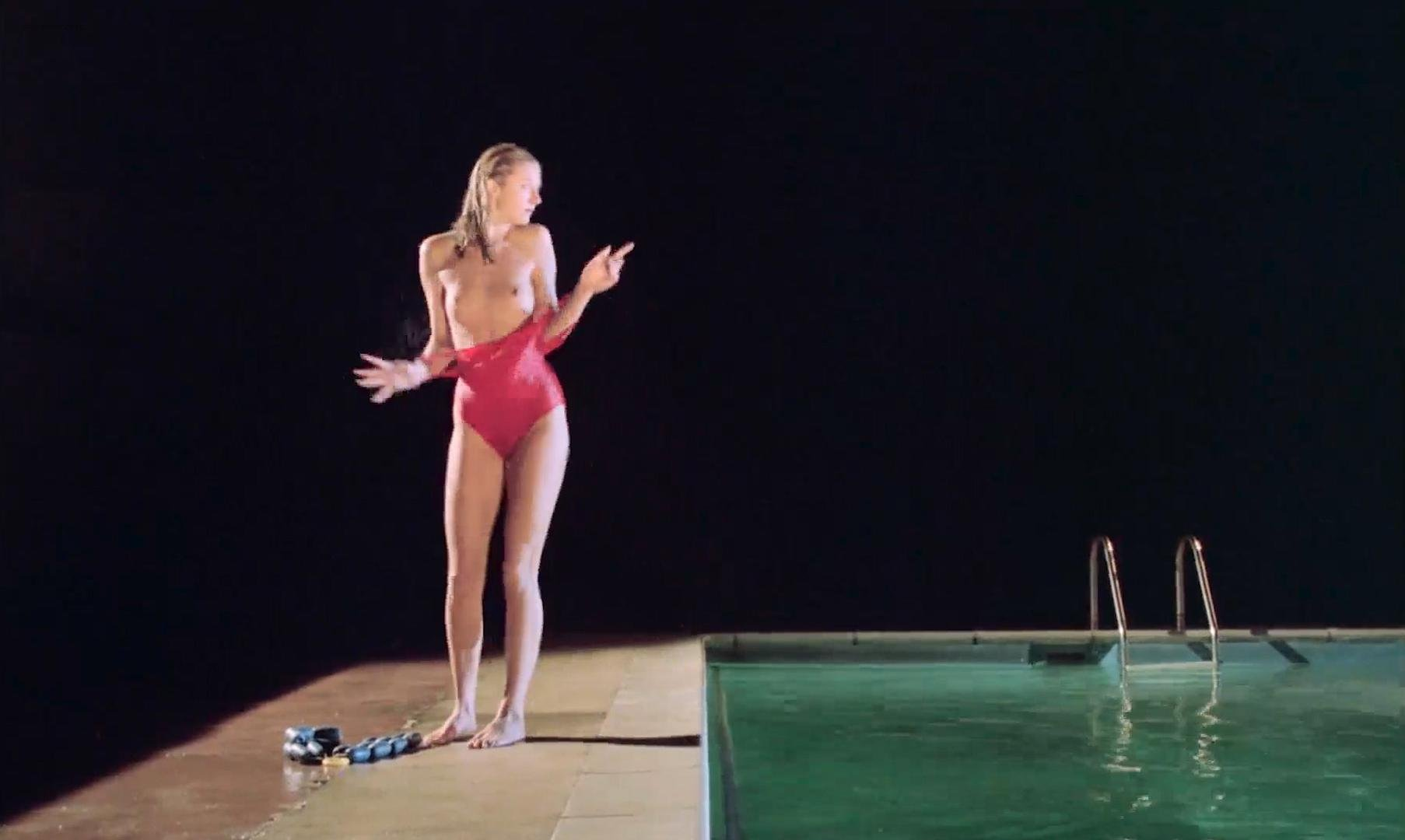 Joely Richardson nude, Jane Gurnett nude, Juliet Stevenson nude - Drowning by Numbers (1988)