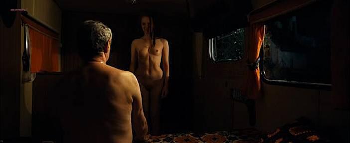 Julie-Marie Parmentier nude, Helene Vincent nude, Amandine Chauveau nude, Claudine Lacroitz nude - Les Petits ruisseaux (2009)