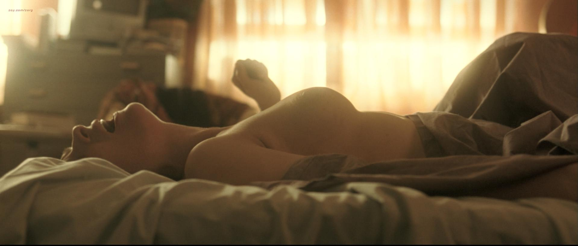 Juliette Binoche nude, Vera Farmiga nude, Robin Wright sexy - Breaking and Entering (2006)