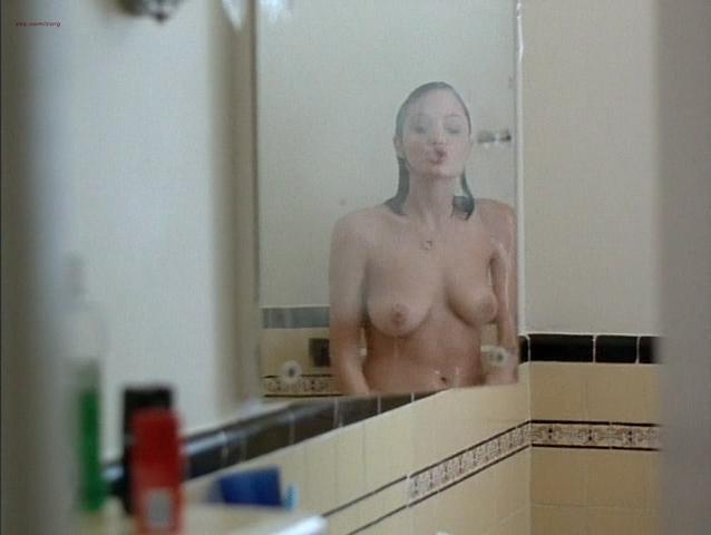 Angelina Jolie nude - Mojave Moon (1996)