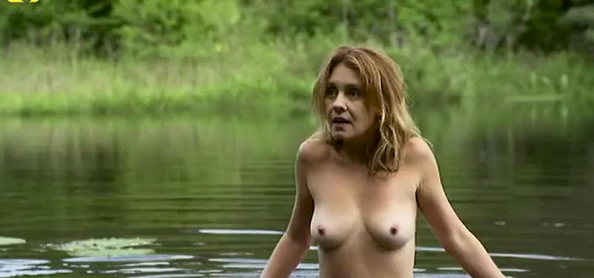 Adriana Esteves nude - Real Beleza (2015)