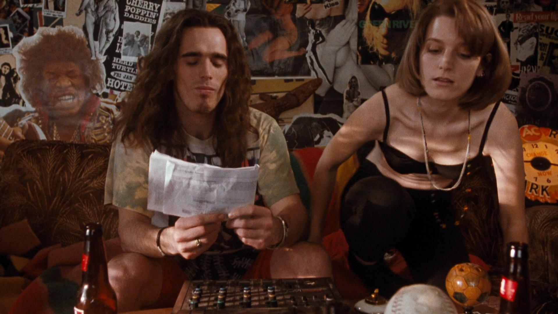 Bridget Fonda sexy, Kyra Sedgwick nude - Singles (1992)