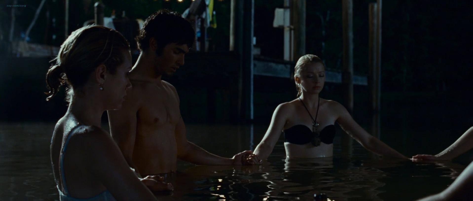 Elisabeth Harnois sexy, Amanda Seyfried sexy, Hilarie Burton sexy - Solstice (2008)