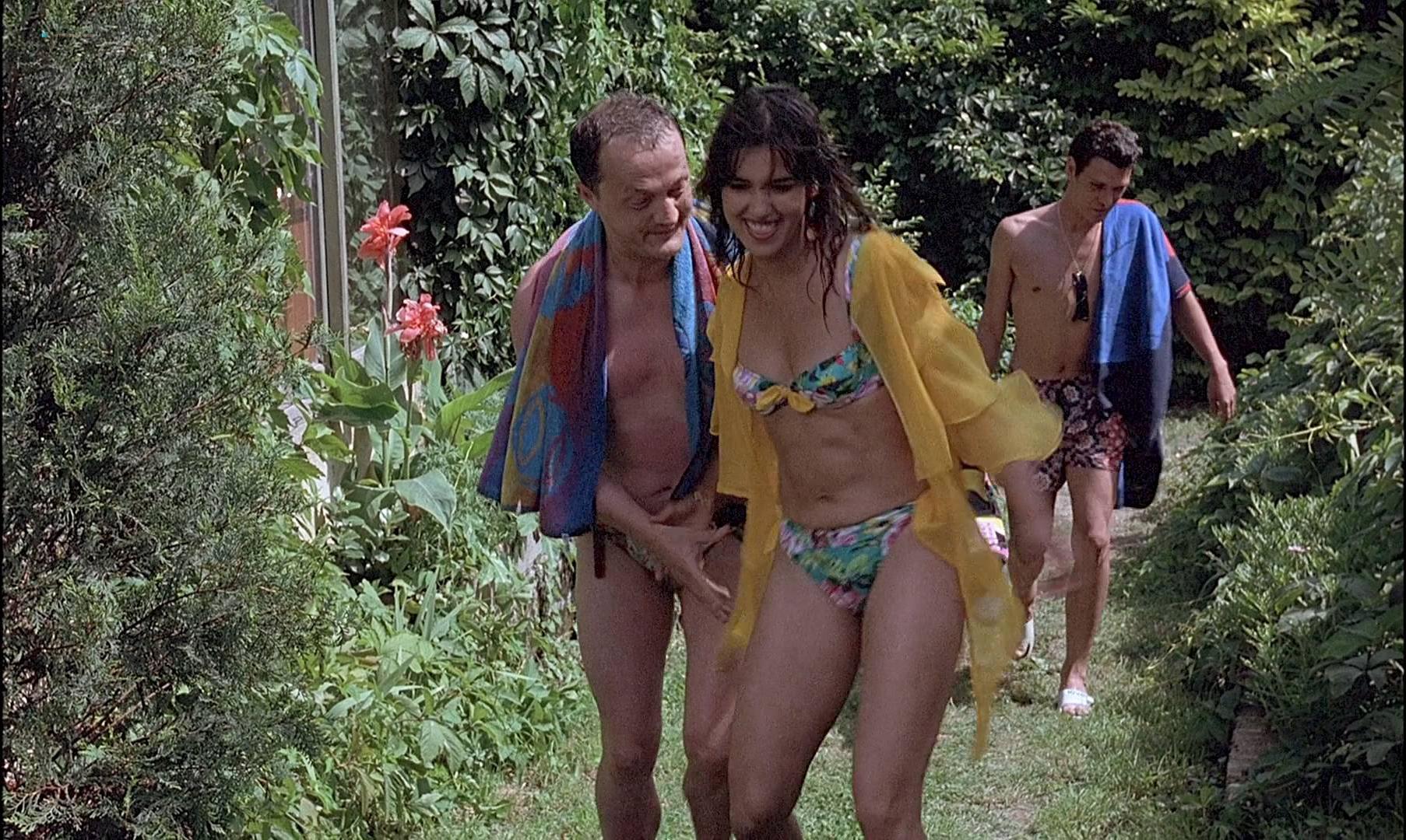 Emmanuelle Beart sexy, Nathalie Cardone sexy - L'Enfer (1994)