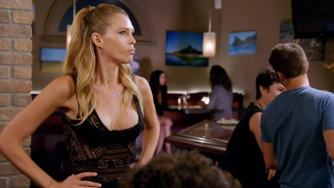 Erin Foster sexy, Sara Foster sexy - Barely Famous s02 (2016)