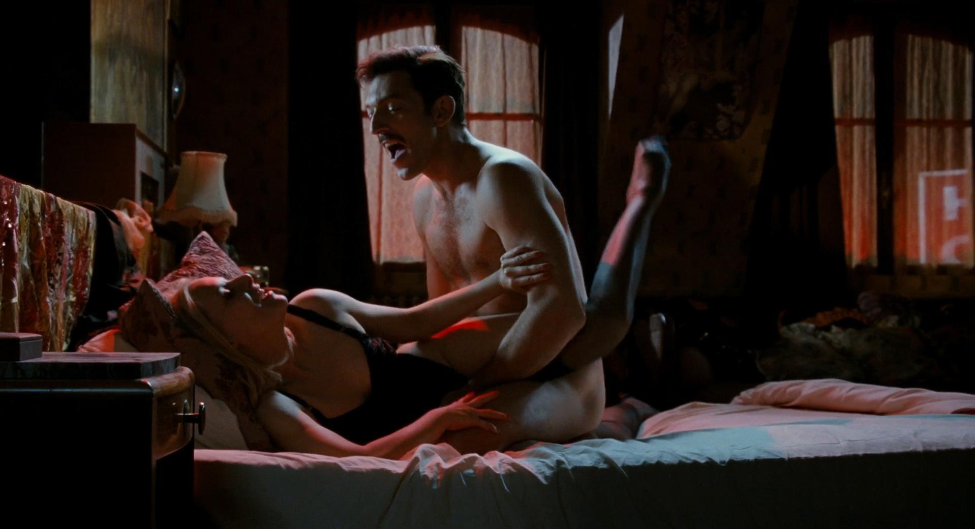 Florence Thomassin nude - Mesrine: Killer Instinct (2008)