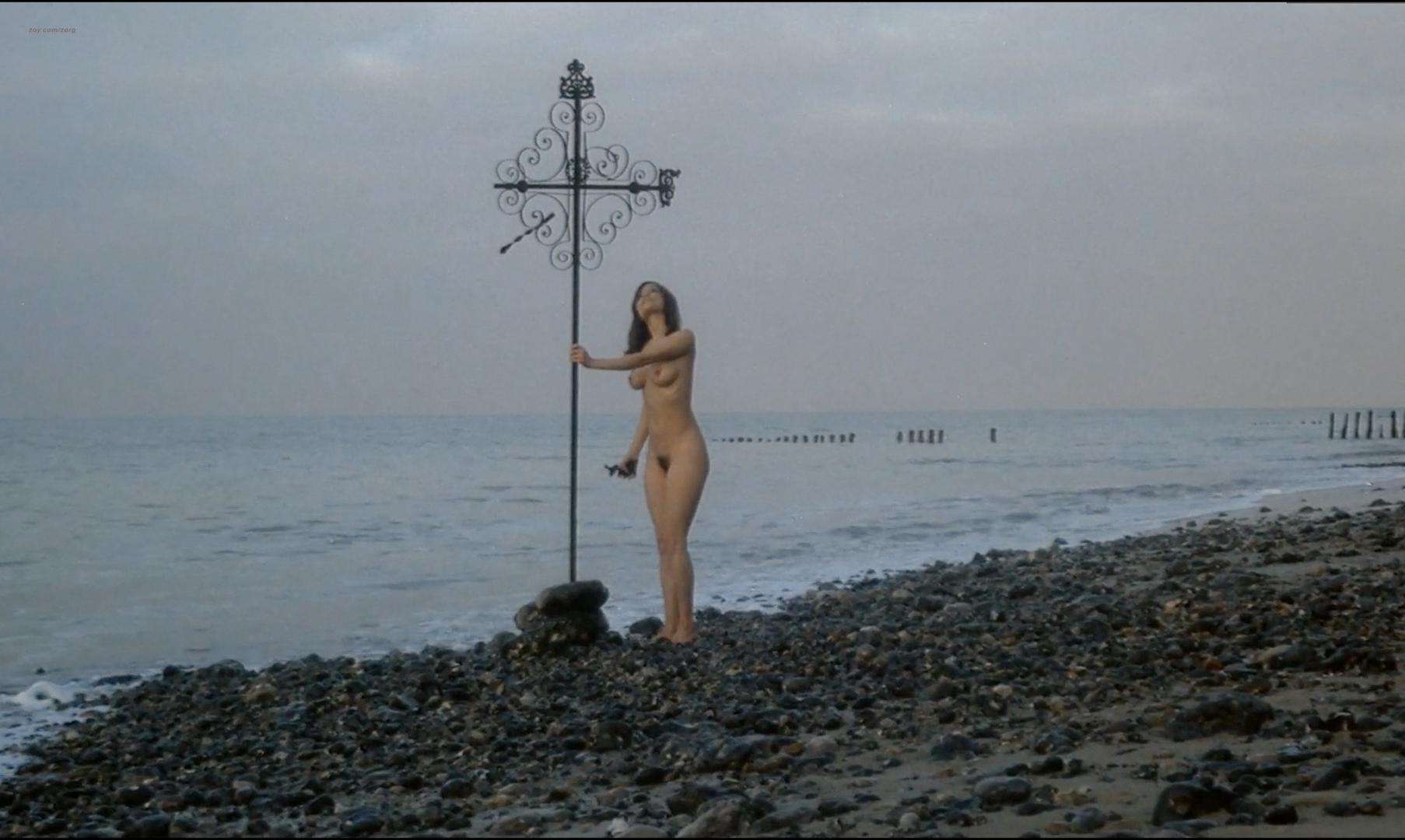 Françoise Pascal nude - La Rose de fer (1973)