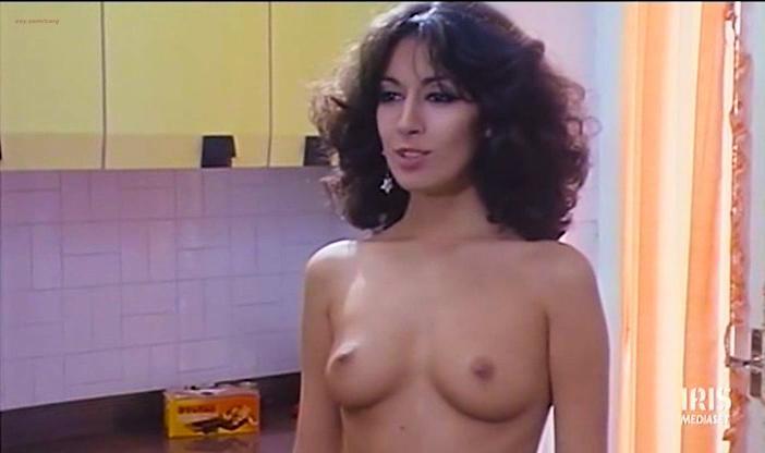 Gloria Guida nude, Annamaria Clementi nude, Paola Senatore nude - L'infermiera di notte (1979)