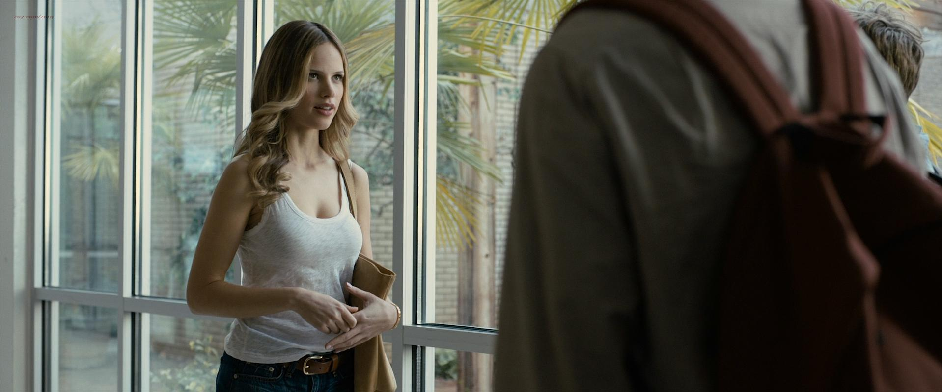 Nude Video Celebs  Halston Sage Sexy - Paper Towns 2015-5212
