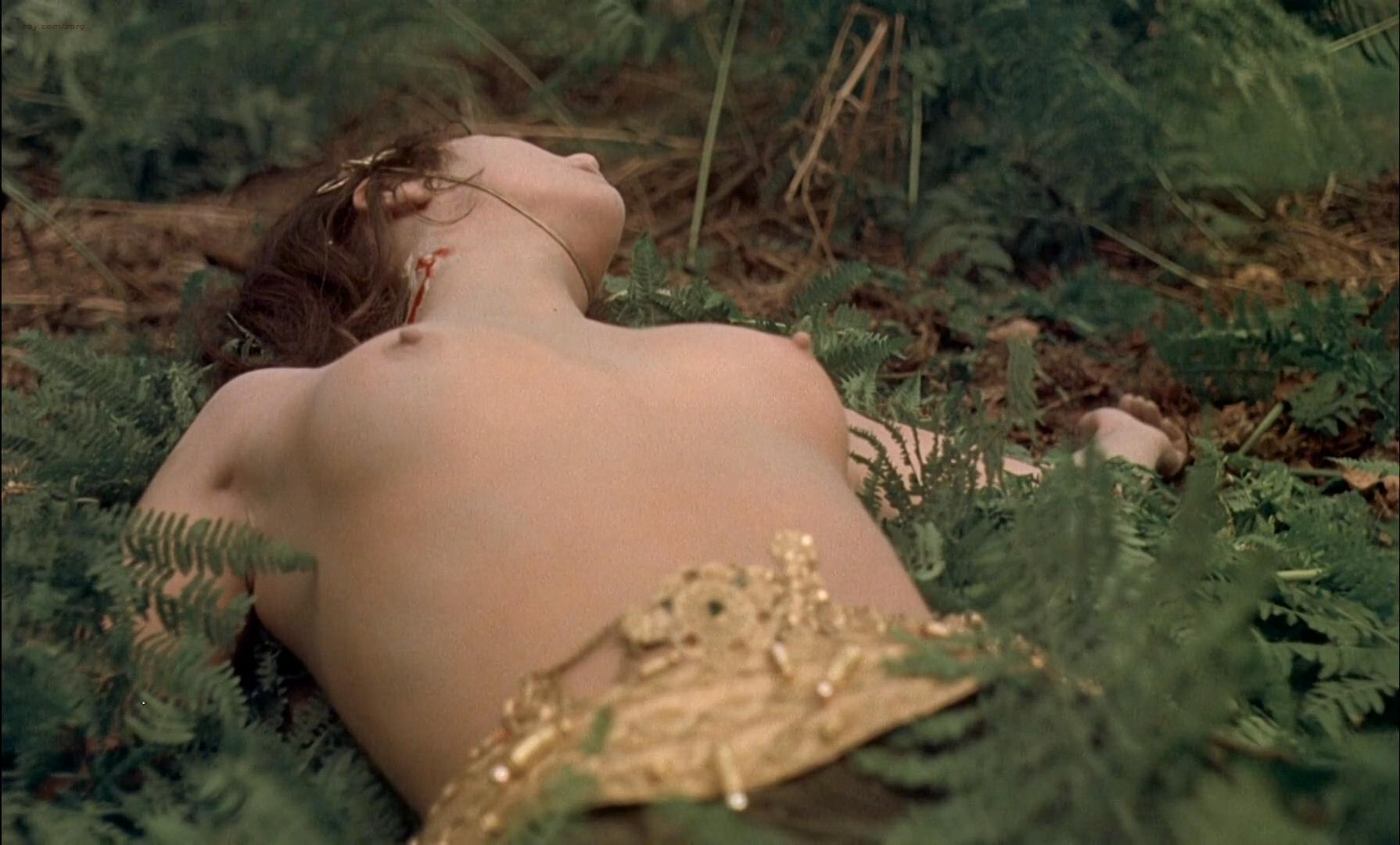 Ingrid Pitt nude, Andrea Lawrence nude - Countess Dracula (1971)