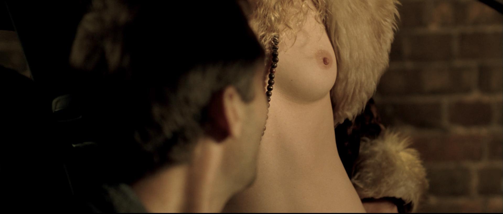 Juliette Binoche nude, Vera Farmiga nude, Robin Wright sexy - Breaking and Entering (2006)
