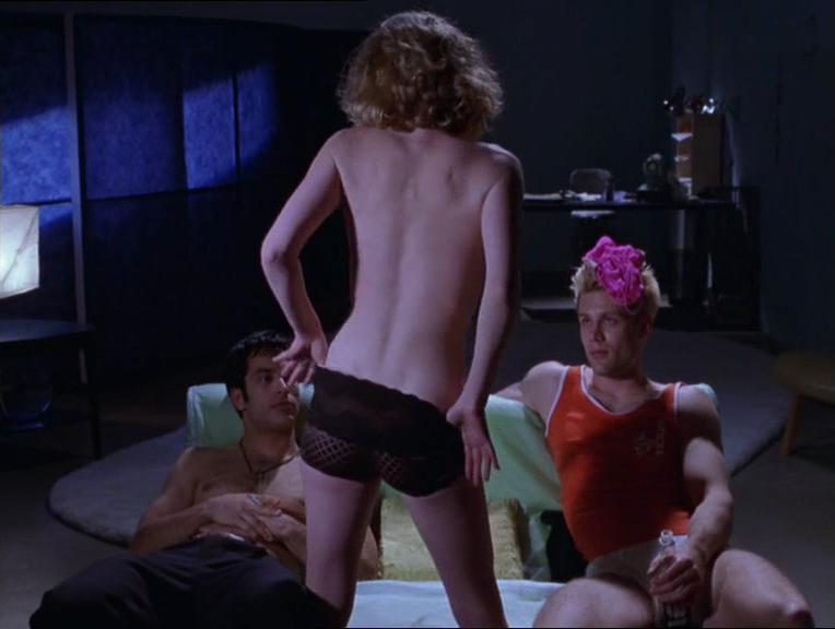 Kathleen Robertson sexy - Splendor (1999)