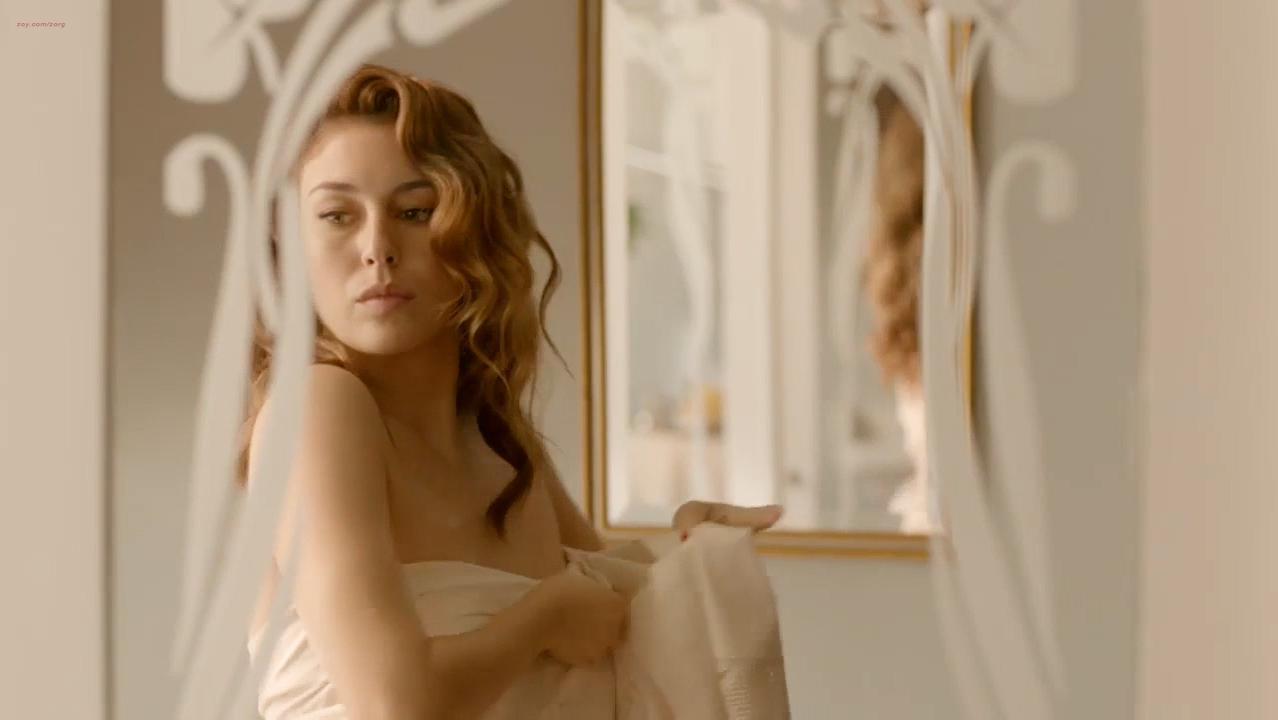 Blanca Suarez sexy - Lo Que Escondian Sus Ojos s01e01 (2016)