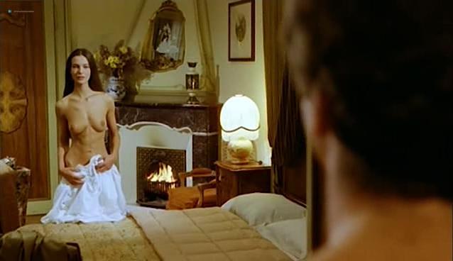 Carole Bouquet nude - Il Cappotto Di Astrakan (1980)