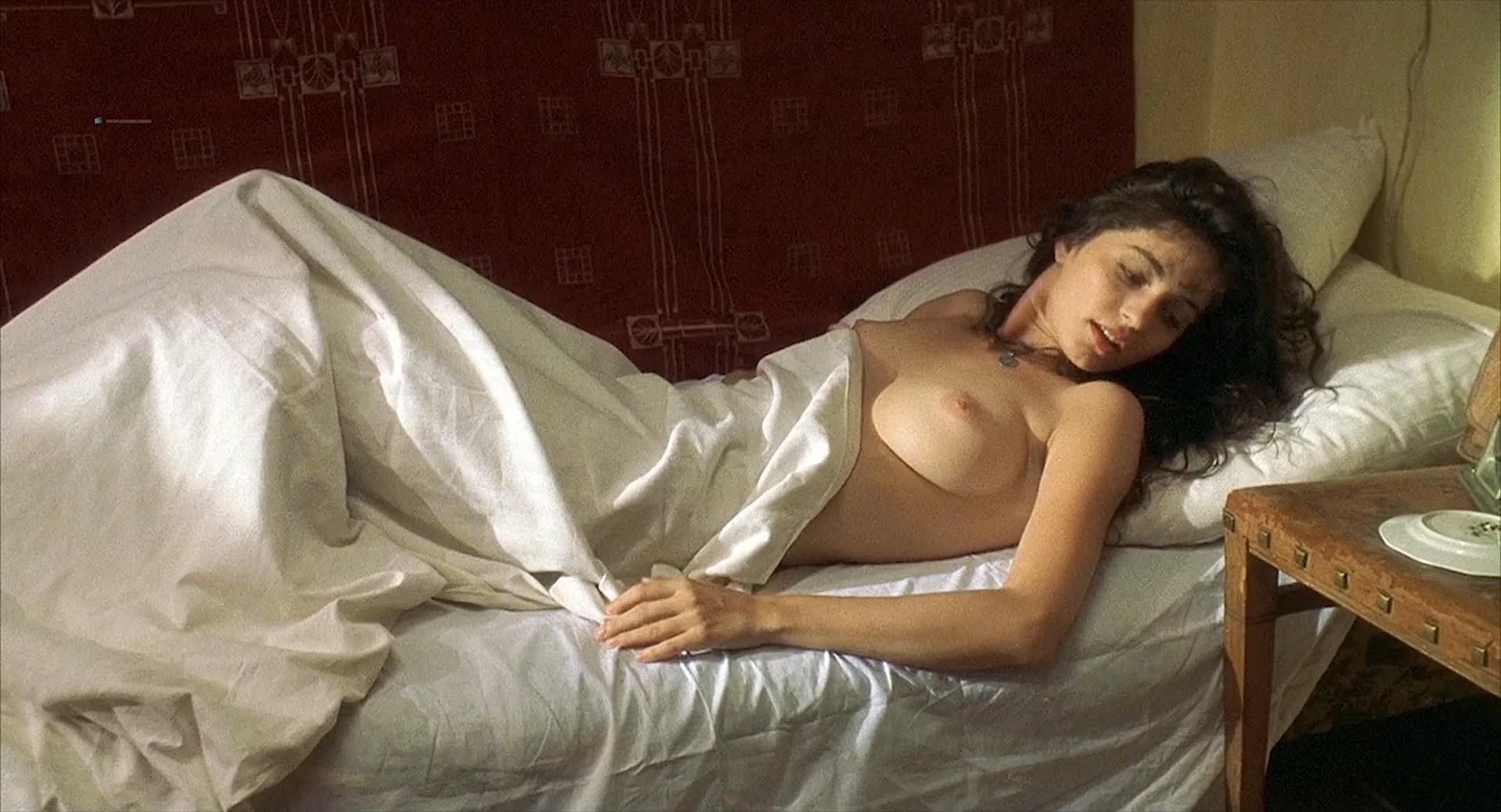 Erika Marozsán nude - Ein Lied von Liebe und Tod (1999)