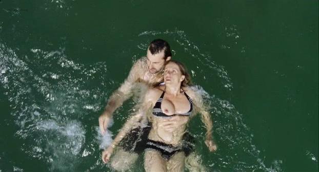 Isabella Ferrari nude, Valeria Golino nude - Caos calmo (2008)