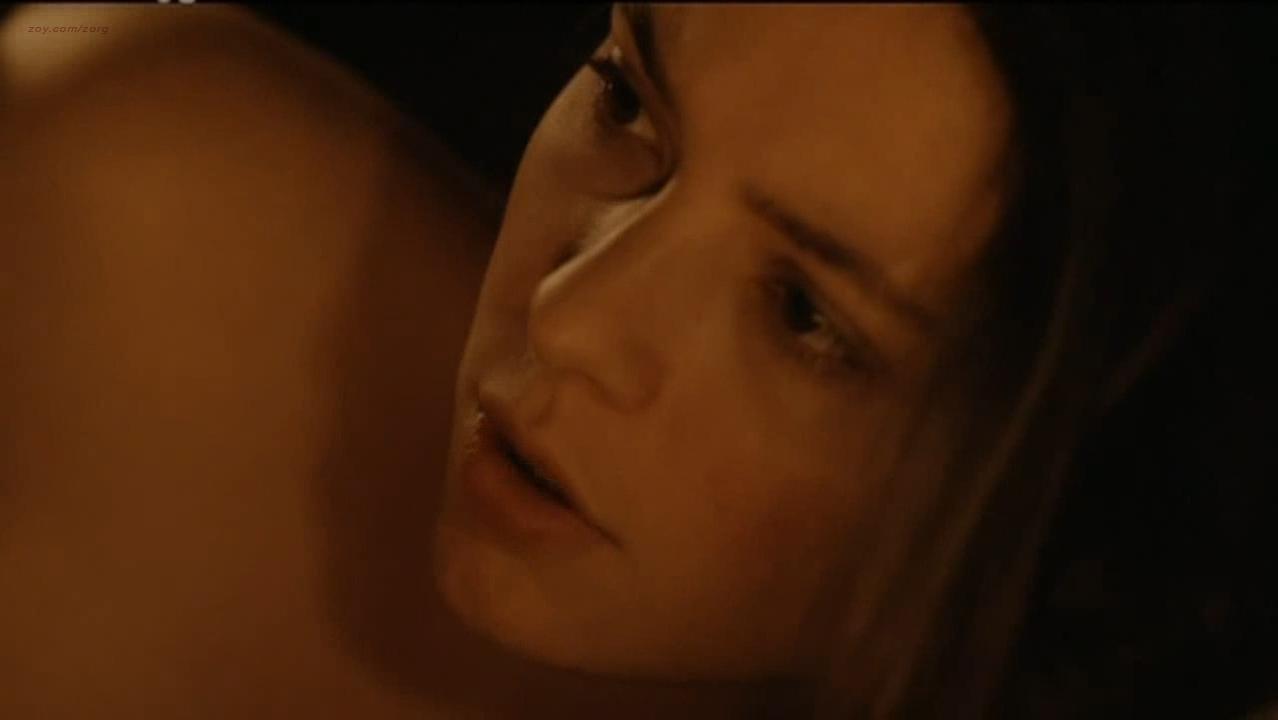 Jasmine Trinca nude, Hawa Essuma nude - Piano Solo (2007)