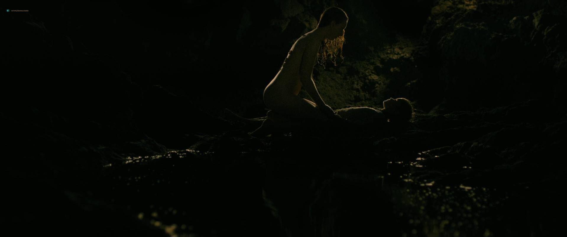 Julie Marie Parmentier nude, Roxane Durane nude - Evolution (2016)
