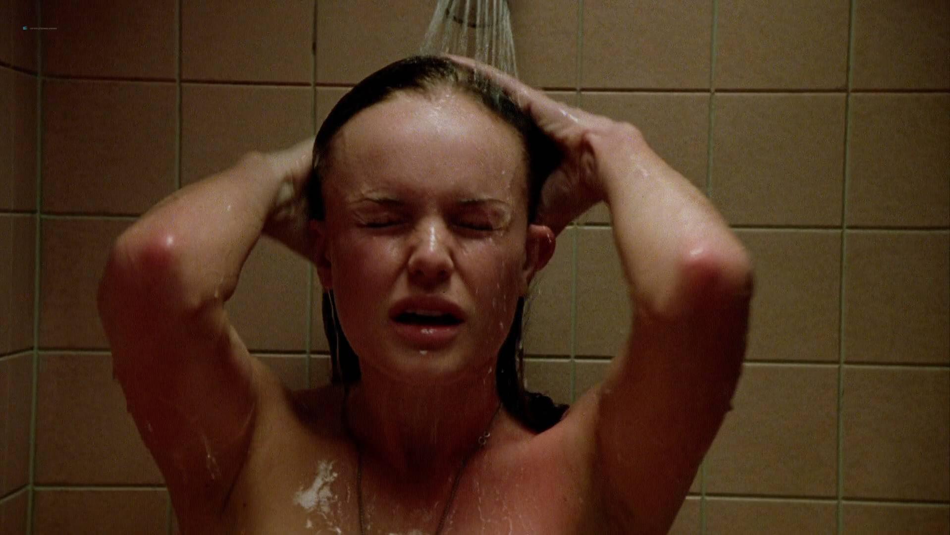 Kate Bosworth sexy - Wonderland (2003)
