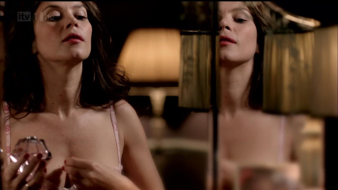 Anna Friel sexy - Without You s01 (2012)