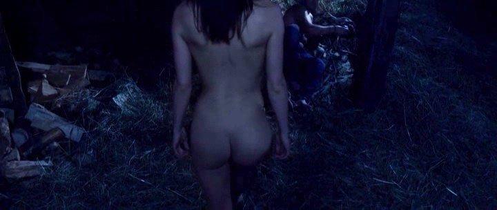 Anna Gulyaeva nude - Chungul (2017)