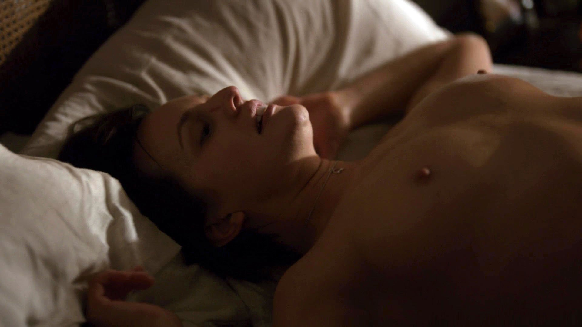 Elisabeth Moss nude - Top of the Lake s02e05 (2017)