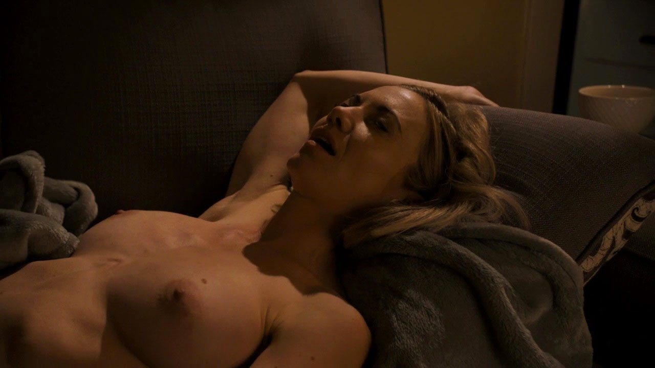 Megan Stevenson nude - Get Shorty s01e03 (2017)
