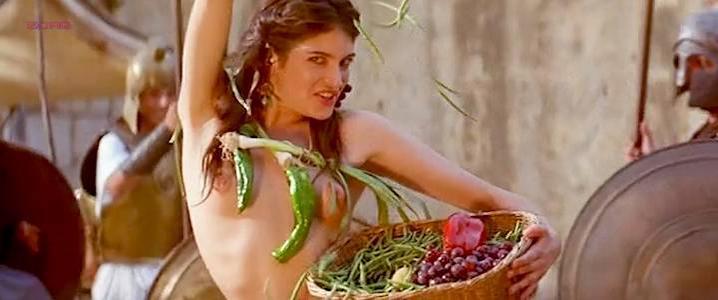 Maribel Verdu sexy, Marina Gatell nude, Cristina Sola nude, Gloria Cano nude - Lisistrata (2002)