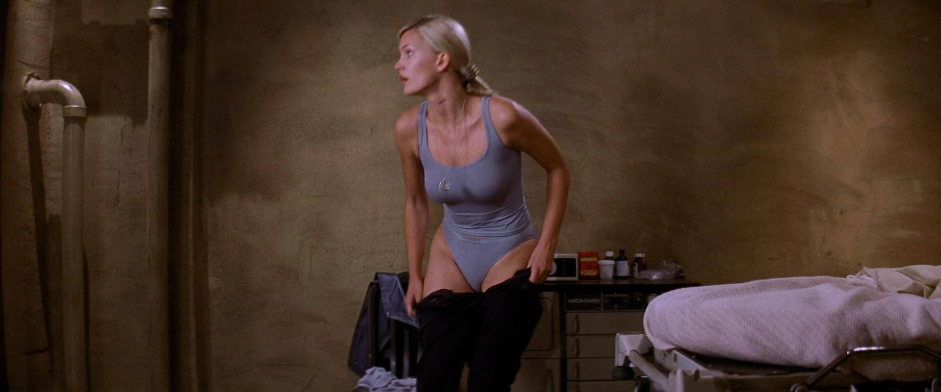 Natasha Henstridge sexy - Ghosts Of Mars (2001)