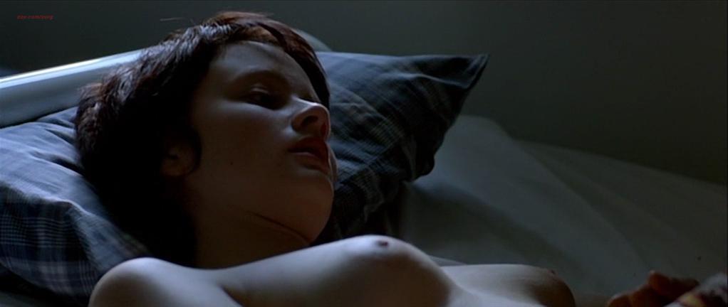 Pauline Etienne nude, Claire Bodson nude - Eleve libre (2008)