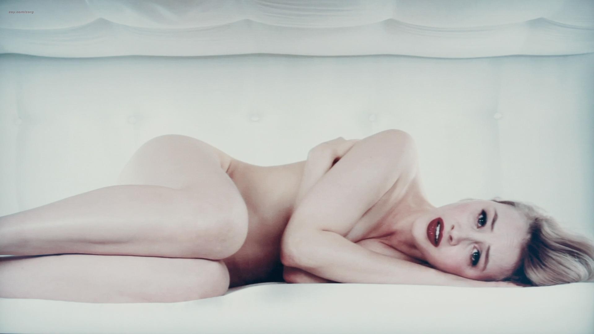 Sarah Gadon sexy - Antiviral (2012)