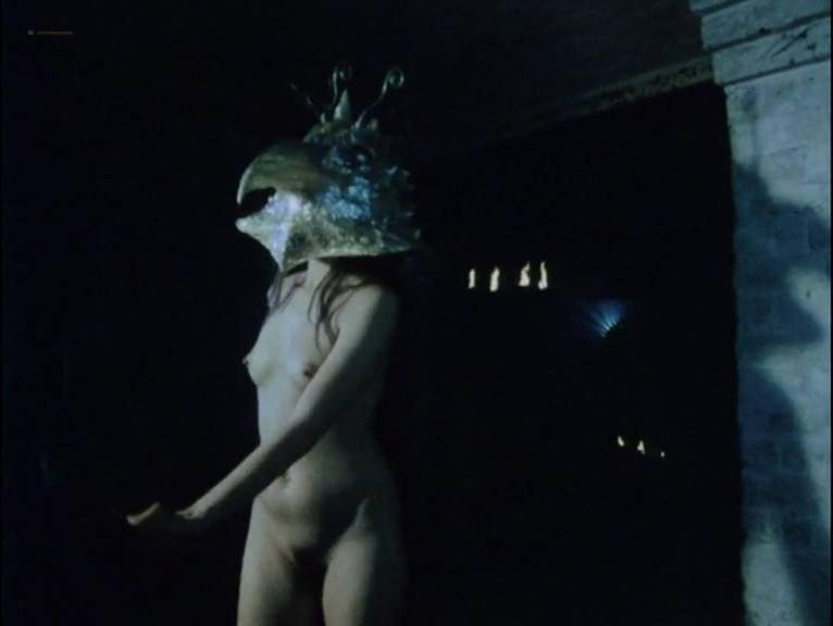 Saskia Brandauer nude, Rubecca Mohamed nude, Sharon Robinson nude - Axel (1988)